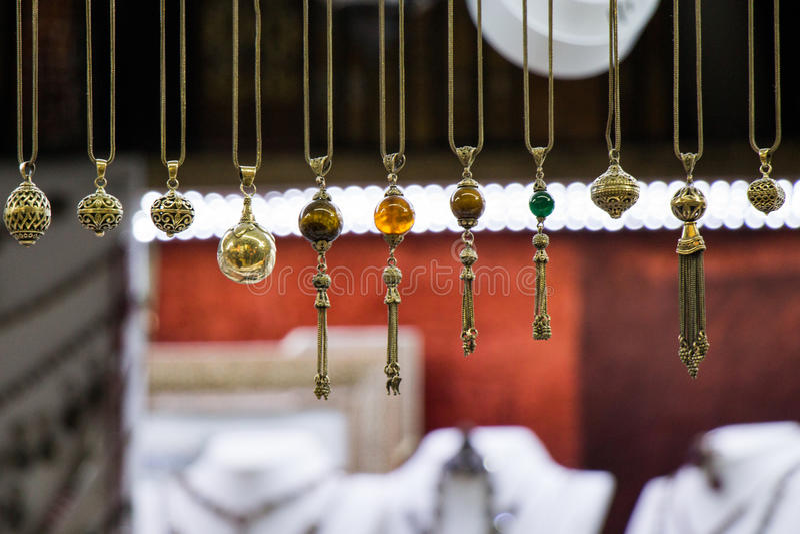 Selezione delle nappe tradizionali turche in vari colori fotografie stock
