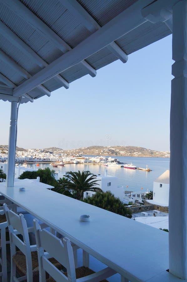 Self-service greco tradizionale sull'isola di Mykonos, Grecia immagine stock