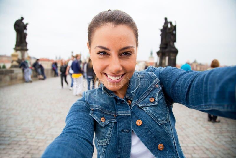 Selfie στην Πράγα στοκ εικόνες