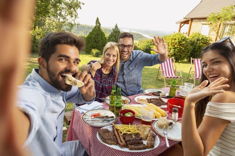Selfie партии барбекю стоковая фотография rf