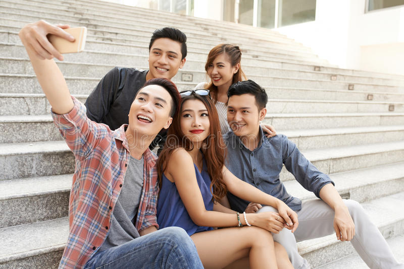Selfie avec des amis image stock