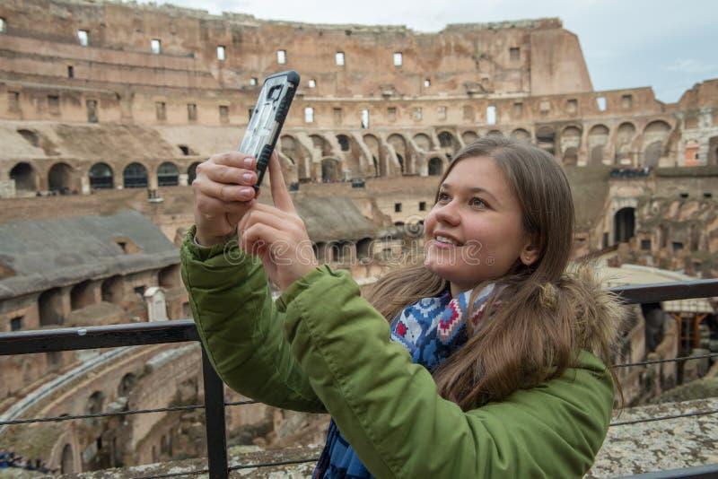 Selfie in Colosseum stockbilder