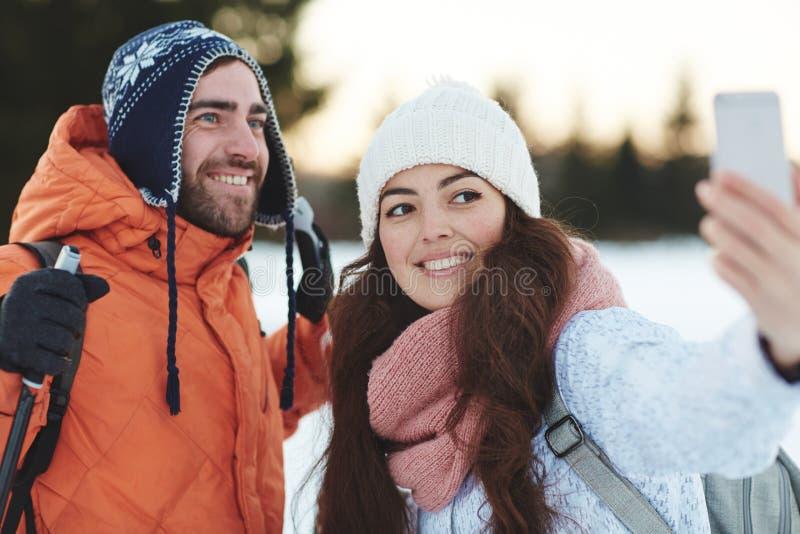 Selfie da viagem do esqui foto de stock royalty free
