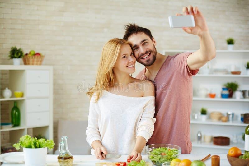 Selfie dans la cuisine photos libres de droits