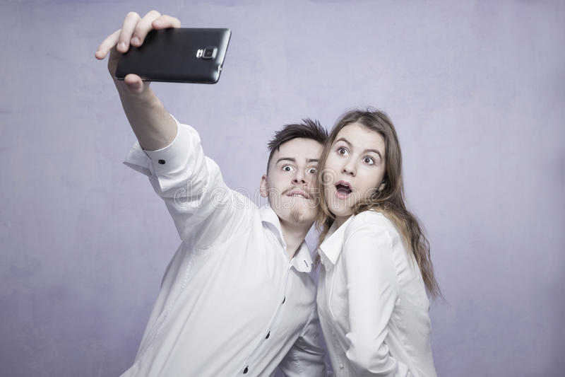 Selfie de couples de Hapy photos libres de droits