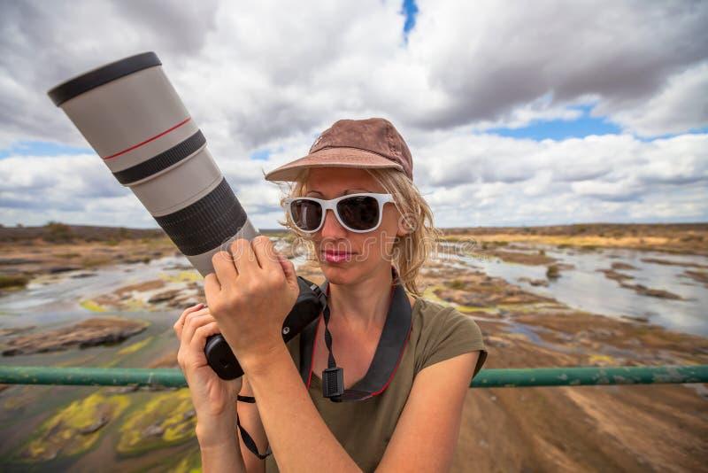 Selfie de la mujer del fotógrafo imágenes de archivo libres de regalías