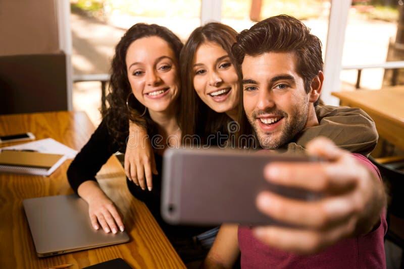 Selfie de los estudiantes fotografía de archivo