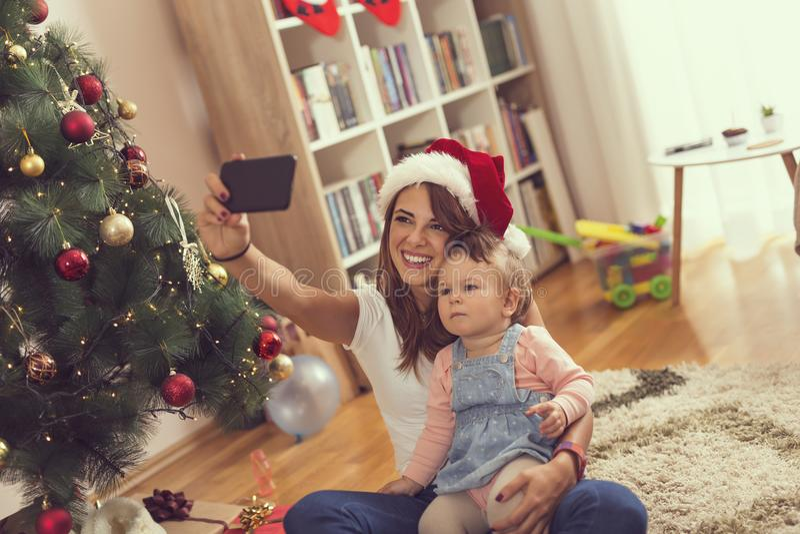 Selfie för julmorgon fotografering för bildbyråer