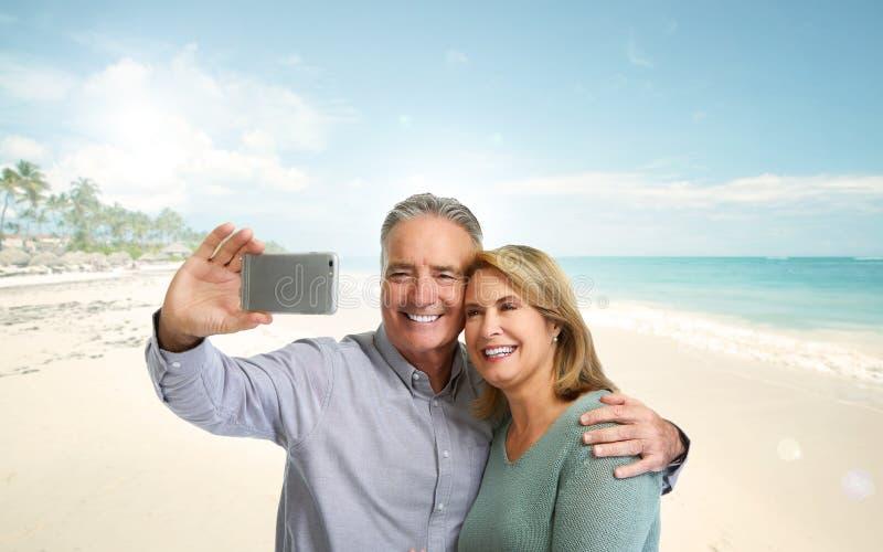 Selfie mûr de couples photos stock