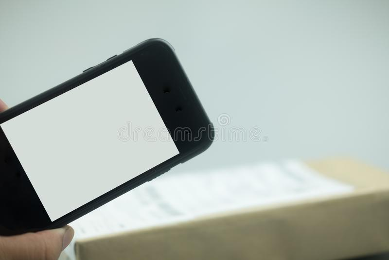 Selfie med mobiltelefonen royaltyfri fotografi