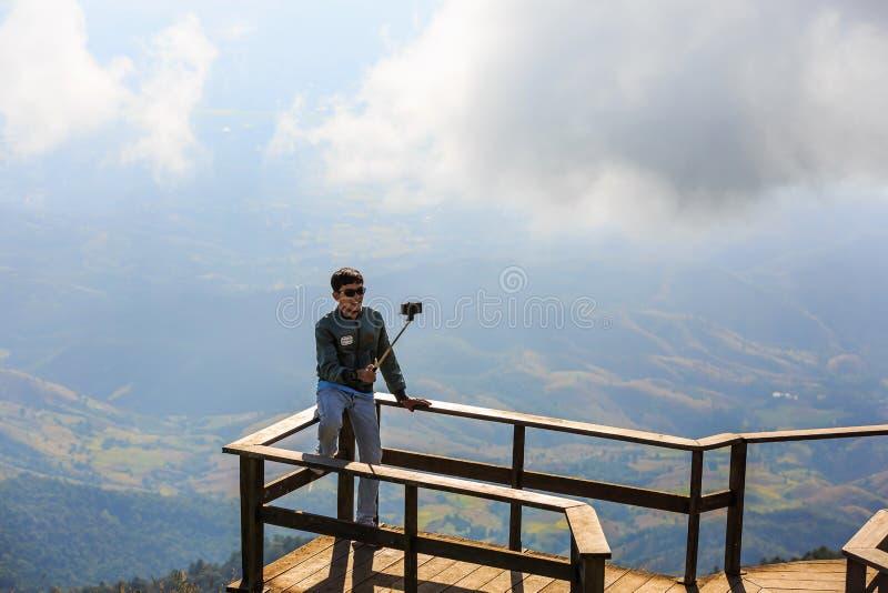 Selfie na posição vantajosa panorâmico de Kew Mae Pan imagens de stock