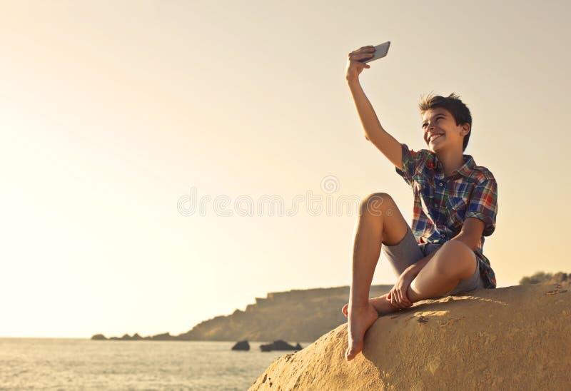 Selfie op het strand royalty-vrije stock afbeeldingen