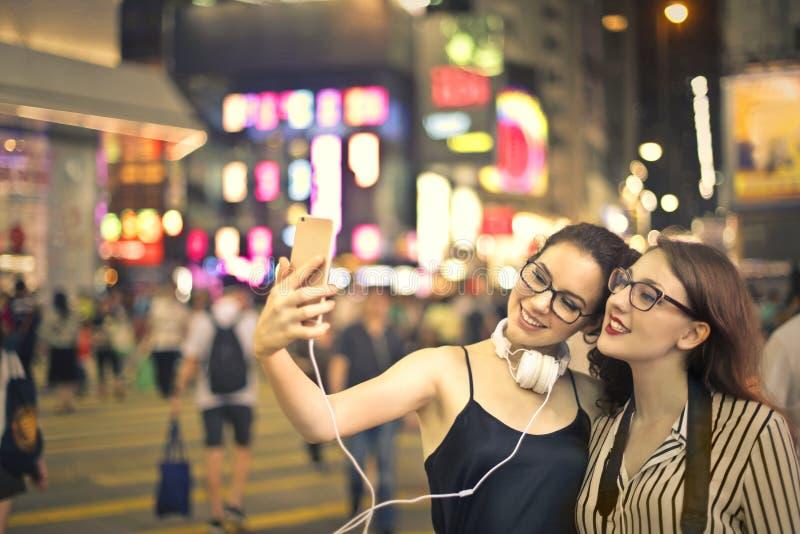 Selfie på natten arkivbild