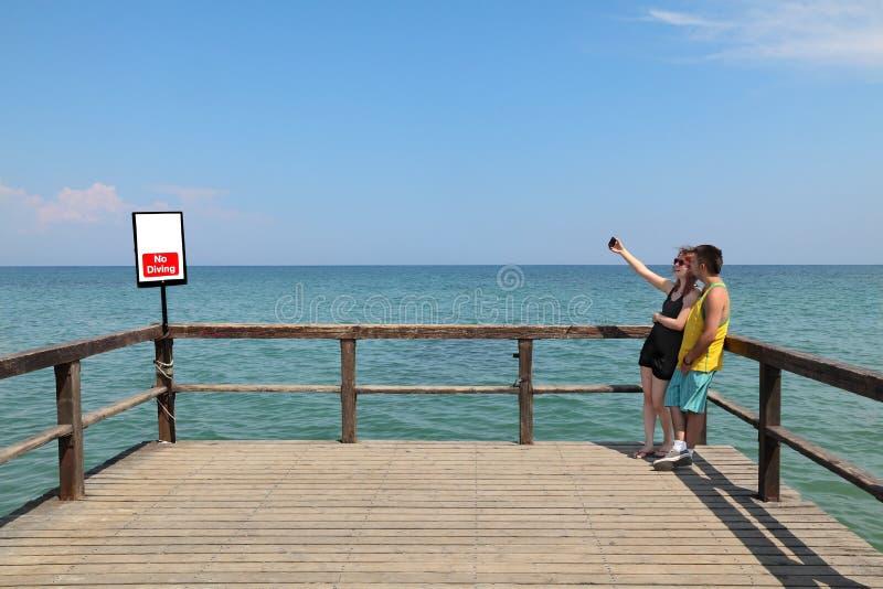 Selfie in Paralia Griekenland stock afbeelding
