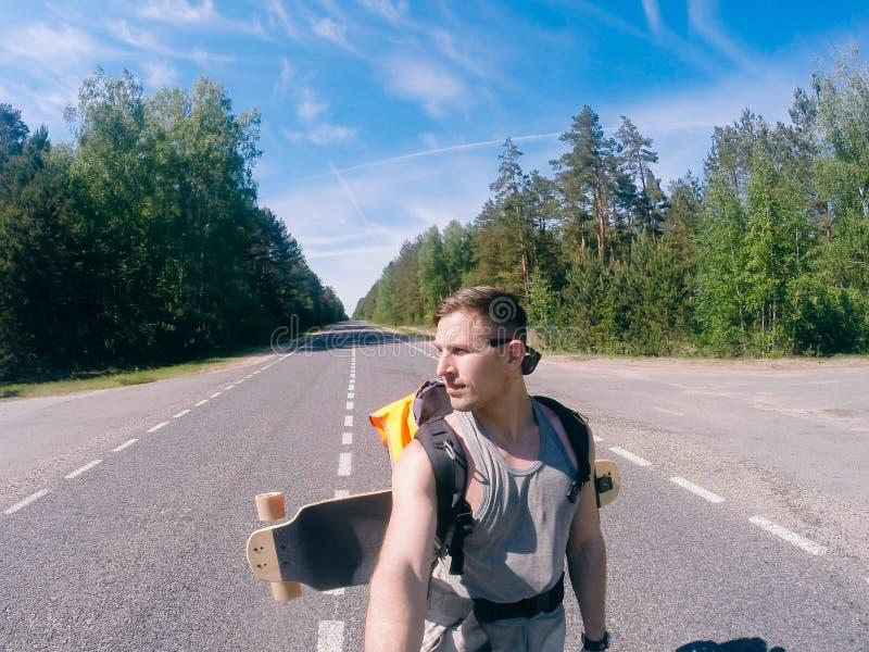 Selfie podróżnik, wycieczka na longboard zdjęcia stock