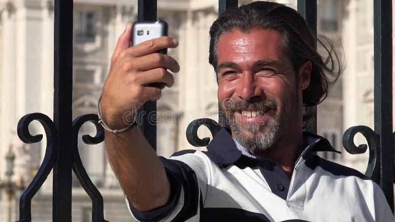 Selfie Przystojna Hiszpańska osoba zdjęcia stock