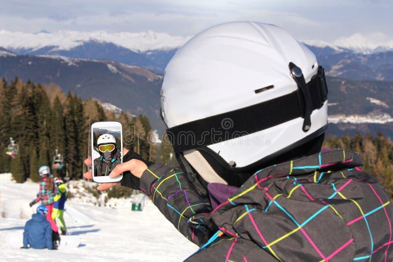 Selfie su corsa con gli sci immagine stock libera da diritti