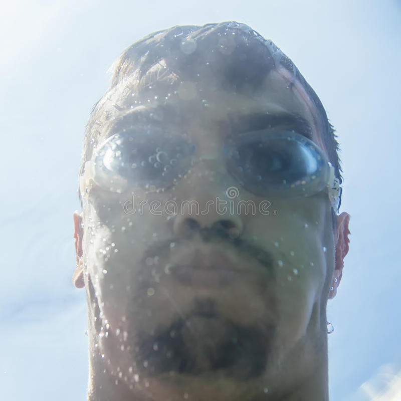 Selfie subacuático foto de archivo libre de regalías