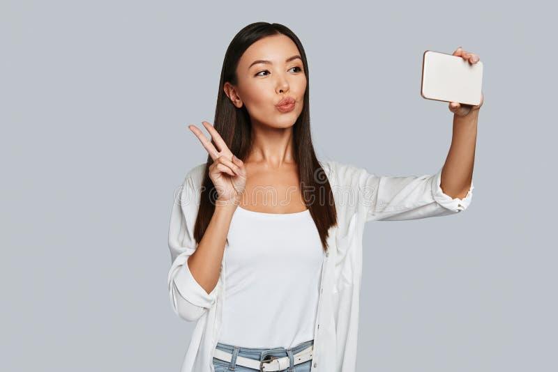 Selfie tid! royaltyfri bild