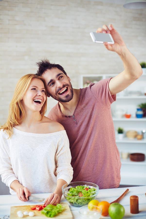 Selfie tijdens kok royalty-vrije stock foto's