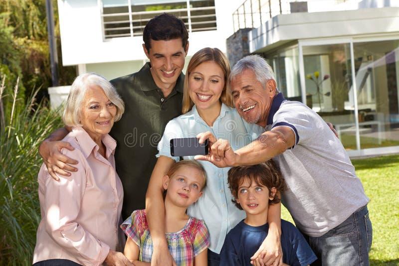 Selfie van familie met kinderen royalty-vrije stock afbeelding