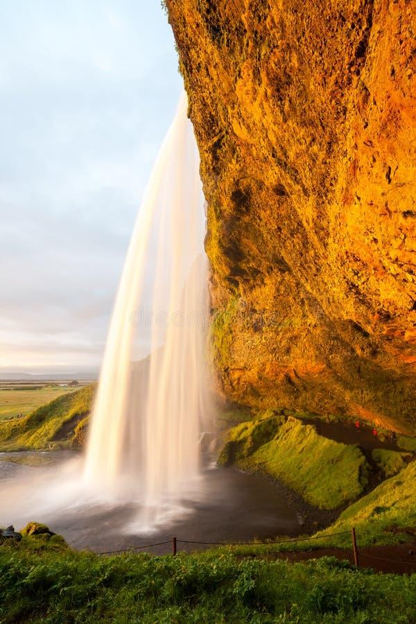 Seljalandsfoss siklawa przy zmierzchem, Iceland zdjęcie stock