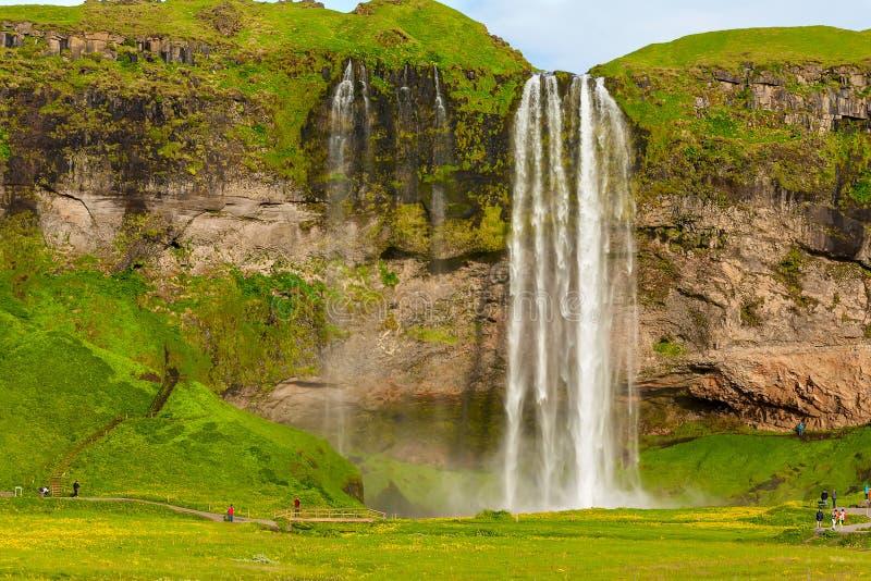 Seljalandsfoss uno de la cascada islandesa más famosa fotografía de archivo libre de regalías