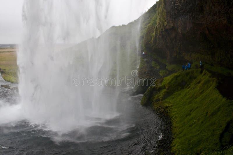 Download Seljalandsfoss Wasserfall redaktionelles stockbild. Bild von wasserfälle - 26366369