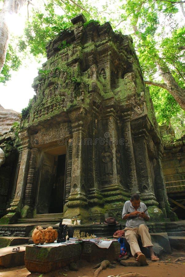 Sell Angkor do homem imagem de stock royalty free