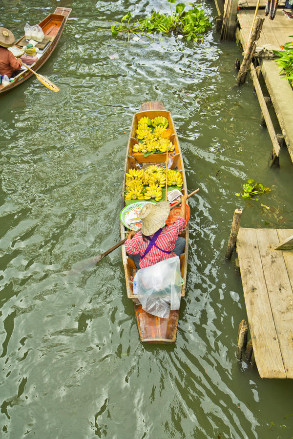 Download Selling Food On A Boat At Floating Market, Thailand Stock Image - Image: 38334615