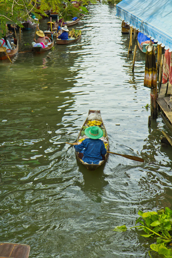 Download Selling Food On A Boat At Floating Market, Thailand Stock Photo - Image: 38334642