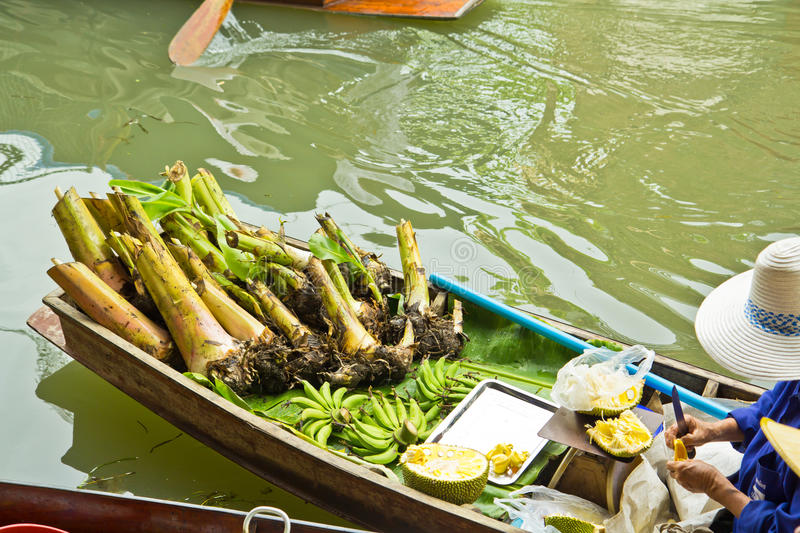 Download Selling Food On A Boat At Floating Market, Thailand Stock Image - Image of famous, produce: 38334683