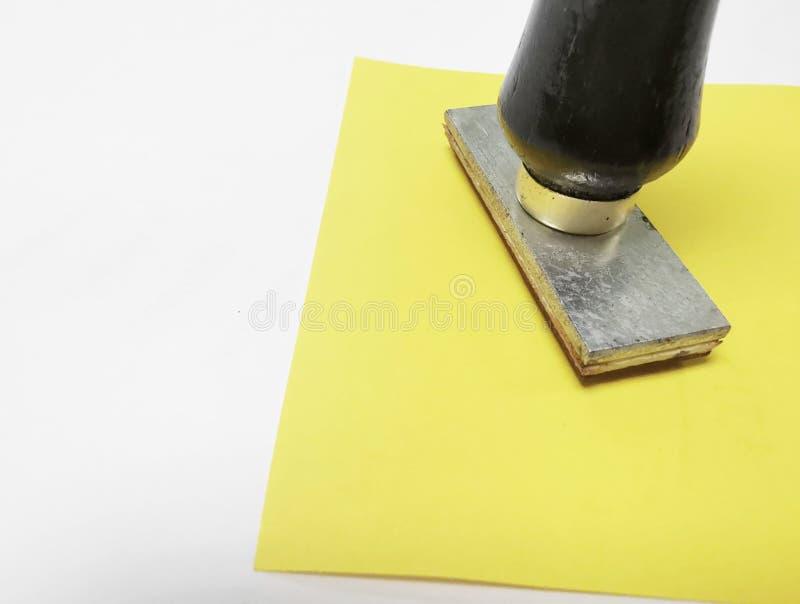 Sello ascendente cercano Matriz de goma y sello de la ronda de madera para el texto fotografía de archivo libre de regalías