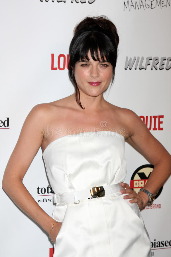 Selma Blair kommt zu der FX Sommer-Komödien-Party lizenzfreies stockbild