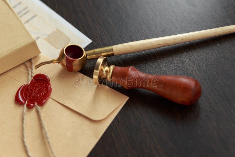 Selo da cera do notário - selo no original autenticado fotos de stock