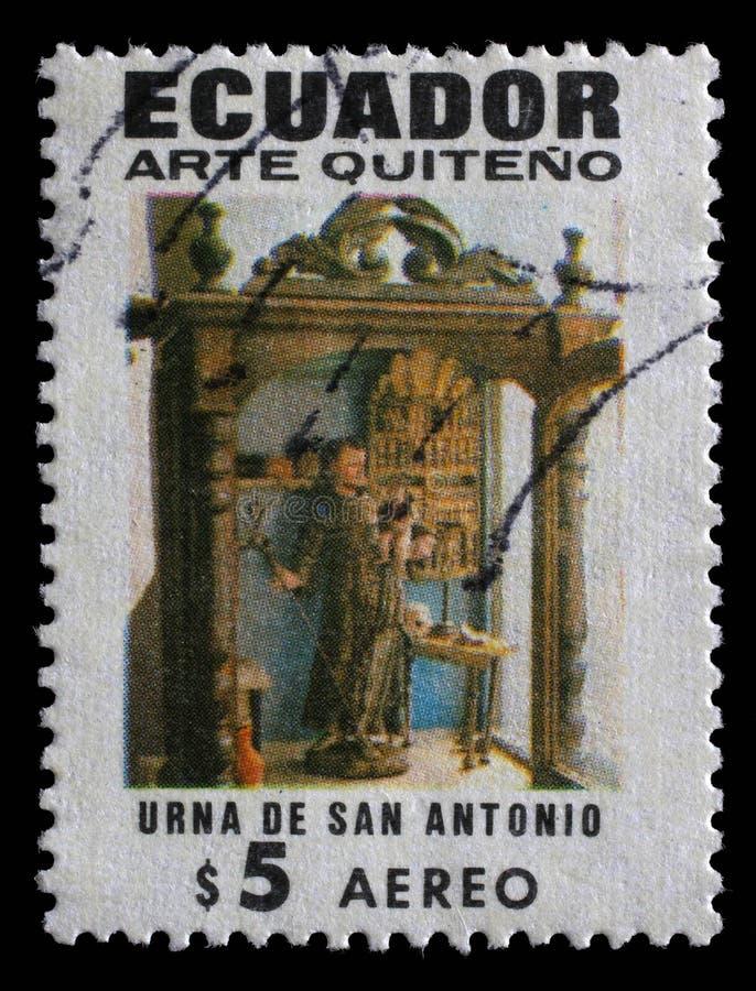 Selo impresso na mostra das mostras de Equador de St Anthony, arte religiosa de Quito foto de stock