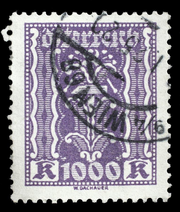 Selo impresso por Áustria, ornamento das mostras fotografia de stock royalty free
