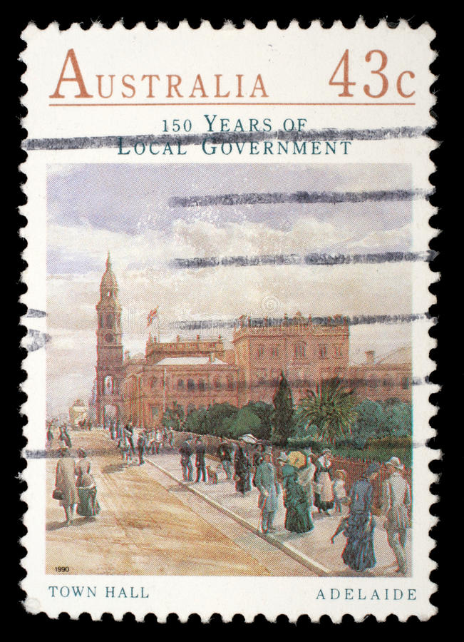 Selo impresso por Austrália, mostras câmara municipal, Adelaide imagens de stock royalty free