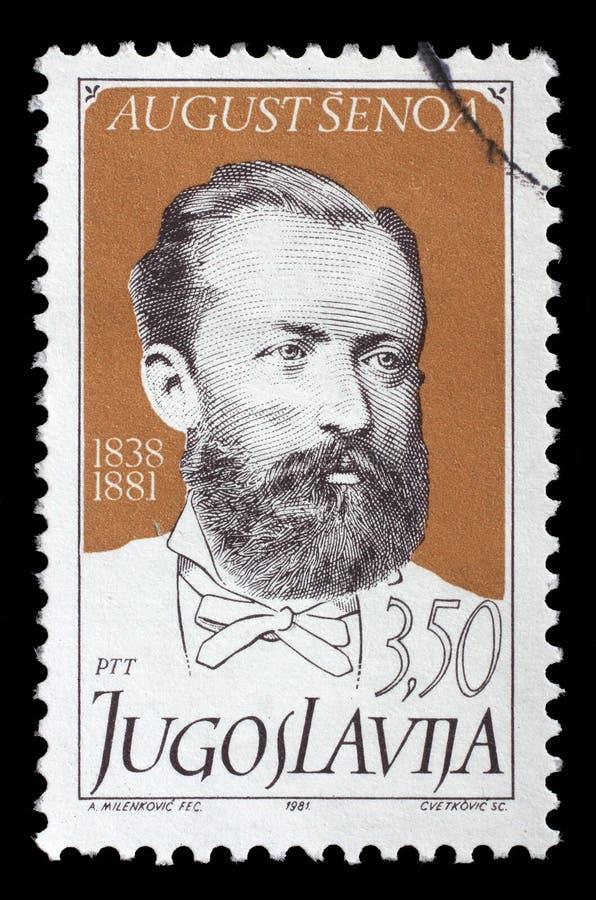Selo impresso por Jugoslávia, escritor croata August Senoa das mostras foto de stock royalty free