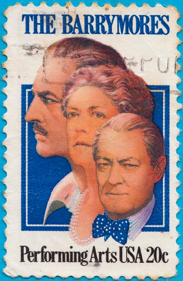 Selo postal cancelado que descreve membros de uma família conhecida do americano - atores de Barrymore, de filme, de teatro e de  fotos de stock royalty free