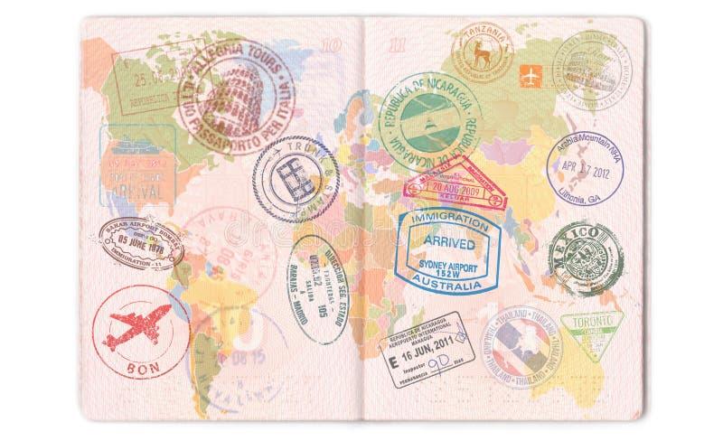 Selos, selos e vistos no passaporte Curso do mapa do mundo ilustração do vetor