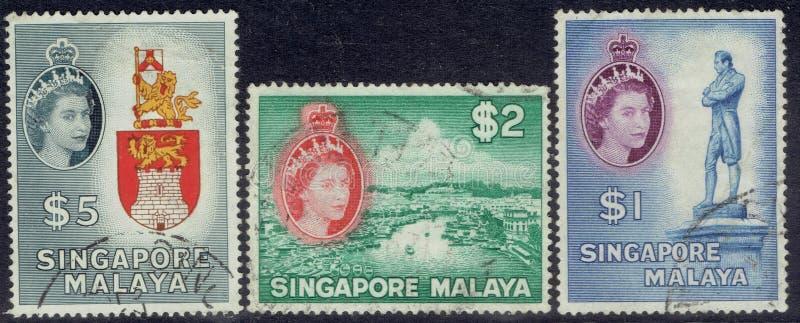 Selos postais de Singapura: Rainha Elizabeth os segundos $1, $2 e $5 foto de stock