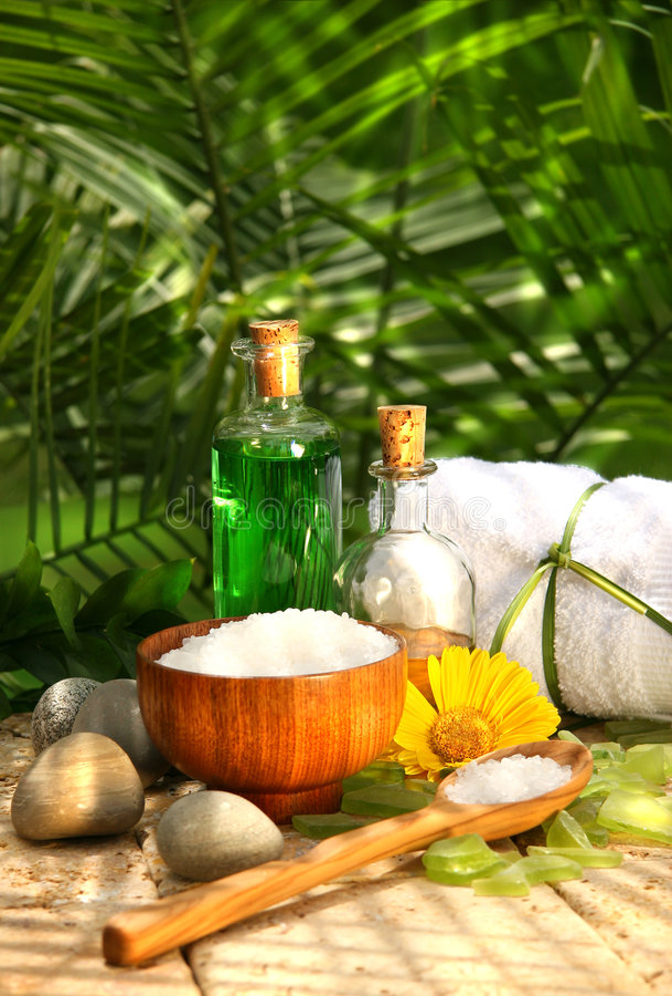 Sels de Bath et huiles essentielles photo stock