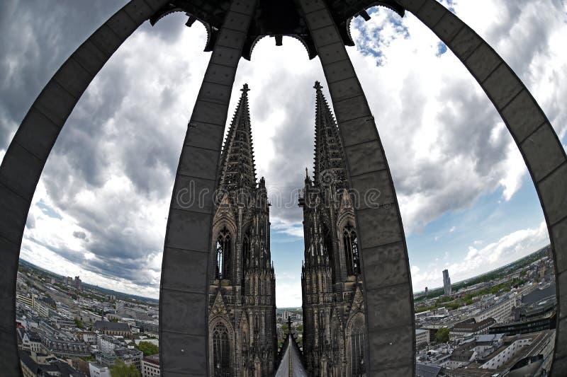 Seltene Ansicht des Köln-Kathedralendachs stockfotos