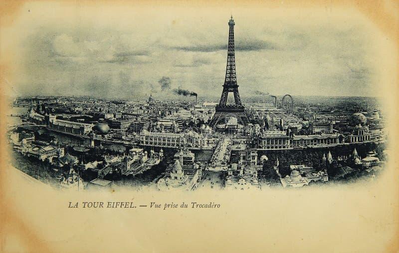 Seltene Weinlesepostkarte mit Ansicht über Eiffelturm von Trocadero in Paris, Frankreich lizenzfreie stockfotos