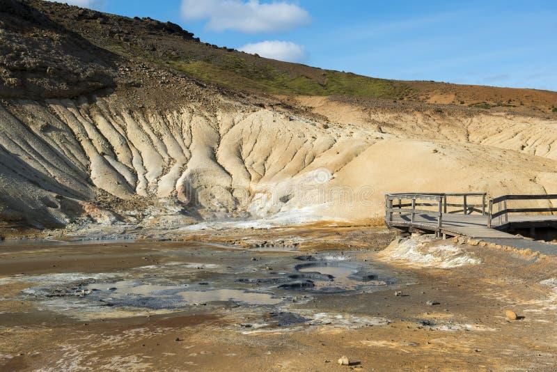 Seltun geotermiczny teren z termicznymi borowinowymi wiosnami, Iceland obrazy royalty free