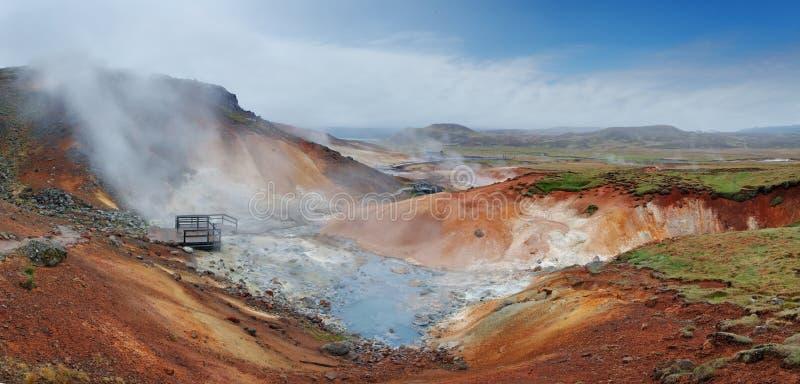 Seltun, Iceland - aktywny powulkaniczny teren w Reykjanes półwysepie fotografia stock