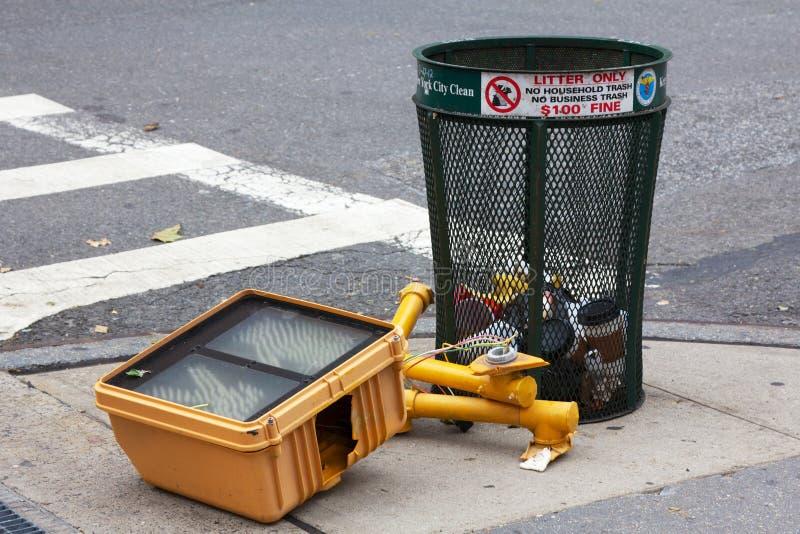 Semáforo caido de NYC después del huracán Sandy fotos de archivo libres de regalías