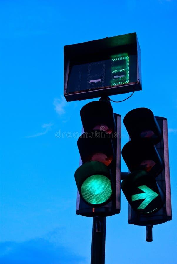 Semafori nella sera immagine stock libera da diritti