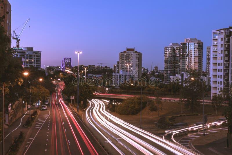 Semafori sulla via moderna della città immagine stock libera da diritti